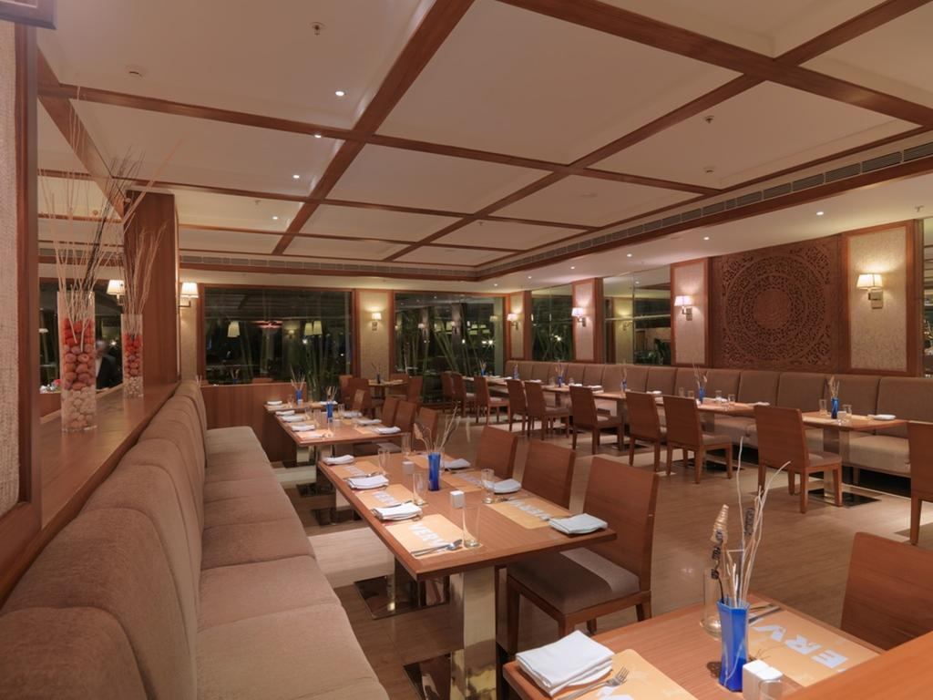 Royal Orchid Resort And Convention Centre Bangalore Restaurant